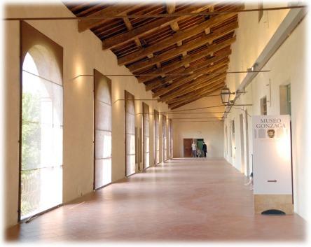 loggiato museo novellara