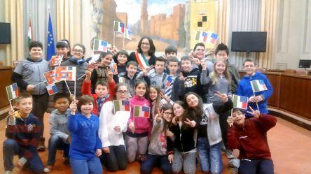 Le classi quinte della scuola elementare di Novellara in visita al Municipio