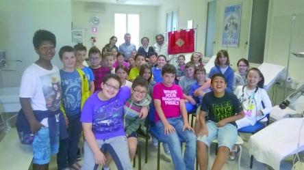 A maggio alcune classi quinte della scuola primaria di Novellara hanno visitato la sede locale dell'Avis.