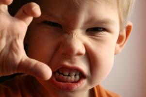 bambino-aggressivo1