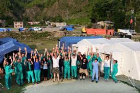 pisa_volontari_aoup_terremoto_nepal3